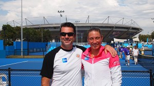Yanina Wickmayer et son coach Michel Bouhoulle, à l'Open d'Australie – Facebook de Philippe de Moerloose.
